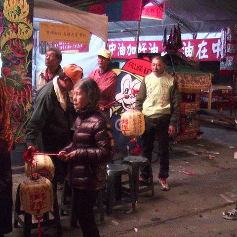 2014年九如王爺奶奶回娘家文化祭-王爺奶奶巡男孫燈  1