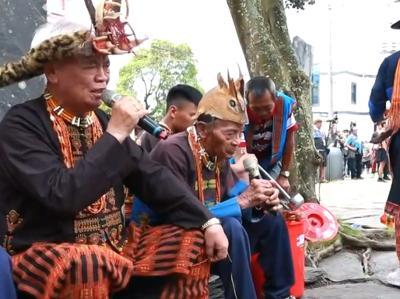 001 pusau ta qaqetitan(送祖靈)-耆老們吟唱祭歌