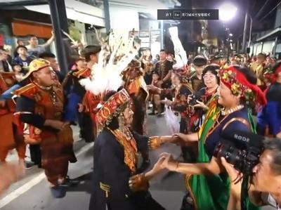 008 Tjiljuvekan頭目家傳統聯歡舞會-頭目與眾人跳舞聯歡