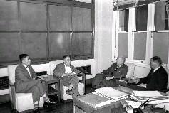 民國50年6月7日,美國莫比石油公司代表索貝克等人,為投資設立尿素廠等細則,來臺商討具體步驟