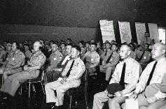 演習進行之前,參謀總長彭孟緝上將,率其他高級將領聽取簡報