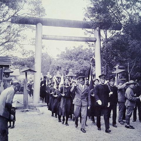 [第二名]臺中州立臺中高等女學校的老師是石彥松徵召從軍