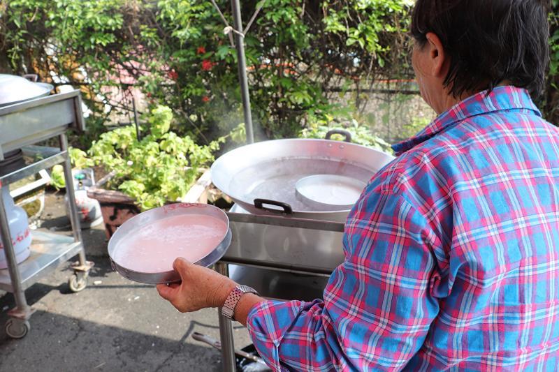 雲南美食文化季-潑水節(定遠社區):米干製作過程-蒸煮