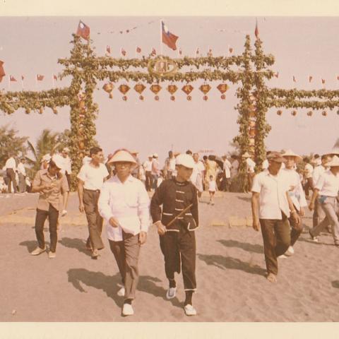 1970年東港東隆宮庚戌正科平安祭典-牌樓  1